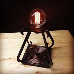 Engineer 3D Prints Amazing Wirelessly Powered Tesla Desk Lamp http://3dprint.com/46711/tesla-desk-lamp/