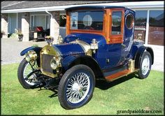 1912 UNIC~Unic was a French car manufacturer. It was founded by Georges Richard in 1906.