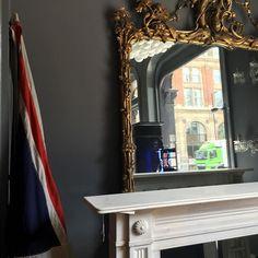 Very #large #carved #gilt #mirror #english #bespoke #marble #surround #unionjack #decor #circa #1850 #instadaily #interior…