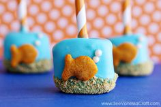 The 8 Coolest Snacks You've Ever Made with Goldfish Crackers! - Goldfish Marshmallow Pops
