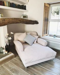 Home Decor Living Room Extra wide beige chaise lounge Decor Living Room Extra wide beige chaise lounge Jackie Gregory. Chaise Lounges, Chaise Lounge Bedroom, Chaise Lounge Indoor, Outdoor Lounge, Home Living Room, Living Room Decor, Bedroom Decor, Cozy Bedroom, Bedroom Ideas