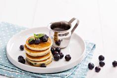 Bögrés amerikai mini palacsinta villámgyorsan: nem véletlenül imádja mindenki - Recept | Femina Waffles, Pancakes, Minion, Breakfast, Recipes, Foods, Morning Coffee, Food Food, Food Items
