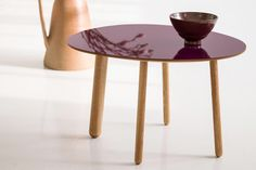Morris coffee table model 6 in glossy plum