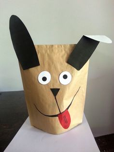 Don't have balloons? Try making a paper hand puppet instead. Lunch Bag Puppets free animal templates: Pig/Hog, Dog, Frog, Rat, Cat, Teddy Bear Grab some textas and add your own style like this crazy dog puppet.