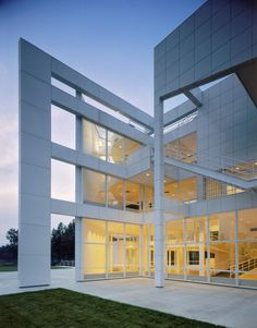 Gallery of AD Classics: The Atheneum / Richard Meier & Partners Architects - 3