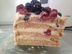 Pavlova torta s mascarpone krémom - recept Pavlova, Cakes, Breakfast, Food, Mascarpone, Paper, Morning Coffee, Cake Makers, Kuchen