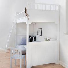 Small children's bedroom idea; Loft bed creates more space!