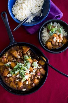 Moroccan butternut curry is so easy to make and such a delicious hearty vegetarian meal - perfect for a chilly weeknight with warmth from chilli and cinnamon. Super Healthy Recipes, Healthy Foods To Eat, Vegetarian Recipes, Healthy Eating, Cooking Recipes, Healthy Cooking, Braai Recipes, Vegetarian Dish, Savoury Recipes