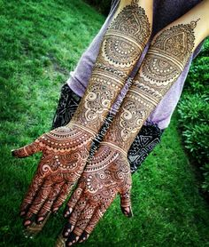 Rajasthani Mehndi Designs photos are present on this article. Rajasthani mehndi is also called as mirror reflecting art. Wedding Henna Designs, Latest Bridal Mehndi Designs, Indian Henna Designs, Mehndi Art Designs, Tattoo Designs, Hena Designs, Tattoo Henna, Mandala Tattoo, Henna Mehndi