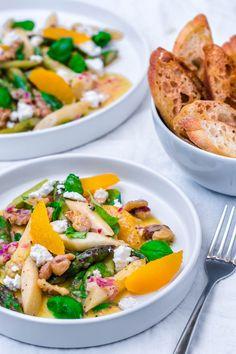 Spargelsalat mit Orangen-Vinaigerette und Feta
