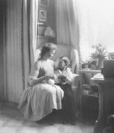 Beautiful photo of the Grand Duchess Olga Nikolaevna Romanova of Russia with the Tsarevich Alexei Nikolaevich Romanov of Russia in the Mauve Boudoir at the Alexander Palace,Tsarskoe Selo. Olga Romanov, Anastasia Romanov, Romanov Sisters, Grand Duchess Olga, House Of Romanov, Tsar Nicholas Ii, Her Majesty The Queen, Imperial Russia, Vintage Photographs