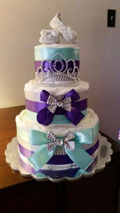 Discover more about baby shower diaper cake ideas -> Gold is expensive, yet ther. - Lovely Baby Shower Theme Ideas - Baby Tips Teal Baby Showers, Baby Shower Purple, Mermaid Baby Showers, Baby Mermaid, Baby Shower Nappy Cake, Regalo Baby Shower, Baby Shower Diapers, Baby Shower Gifts, Baby Shower Gender Reveal
