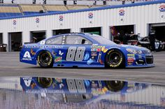 Dale Jr. coming in from rain delayed practice at Kentucky 2016