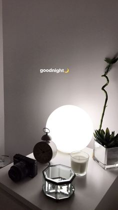 Many people believe that there is a magical formula for home decoration. You do things… Creative Instagram Stories, Instagram And Snapchat, Instagram Story Ideas, Instagram Feed, Street Style Photography, Tumblr Photography, Creative Photography, Photography Ideas, Good Night Story