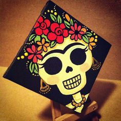 Frida Skull Mini Canvas by My Mayan Colors Original Art by My Mayan Colors (Ruth Barrera). All images are the sole property of My Mayan Colors and not intended for copy Sugar Skull Painting, Sugar Skull Art, Sugar Skulls, Mexican Paintings, Halloween Painting, Halloween Cast, Day Of The Dead Art, Mini Canvas Art, Mexican Art