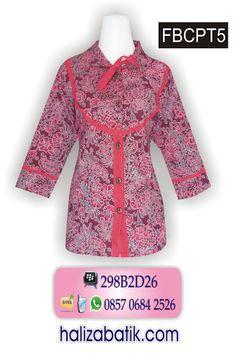 Satu lagi model terbaru baju batik untuk kerja. Blus batik Fanni model lengan 7/8 dg variasi tali depan. Rp 58.000,- Order via SMS 085706842526