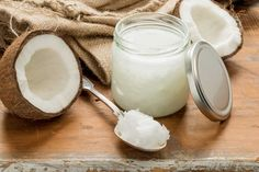 Suffering from the itchy and annoying heat bumps from the weather? Read on and learn how to get rid of heat bumps and prevent it from happening again! Coconut Oil For Dogs, Coconut Oil Uses, Benefits Of Coconut Oil, Coconut Oil For Skin, Organic Coconut Oil, Coconut Oil Health, Homemade Toothpaste, Back To Nature, Pregnancy