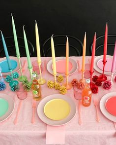 Hosting The Perfect Christmas Party Rainbow Birthday Party, Rainbow Theme, Birthday Parties, Rainbow Parties, Rainbow Baby, Festa Party, Throw A Party, Art Party, Decoration Table