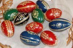 Egg Art, Quilling, Easter Eggs, Decor, Bedspreads, Decoration, Decorating, Quilting, Paper Quilling