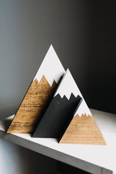 Christmas Wood Crafts, Christmas Tree Crafts, Xmas, Rustic Nursery Decor, Mountain Decor, Reclaimed Wood Projects, Winter Home Decor, Diy Holz, Woodworking Projects Diy