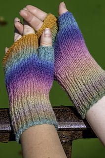 If you're looking for a basic but not boring mitt pattern, this is for you! To make a pair of your own, you'll need 190 - 240 yards of dk/light worsted weight yarn as well as two sets of double pointed needles, one in size US 6 and one in size US 7. :)