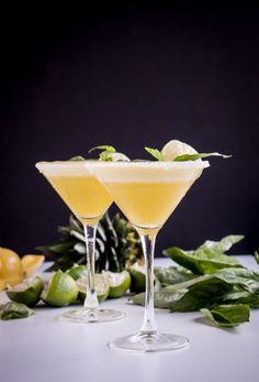 Cocktails - Martini Lounge