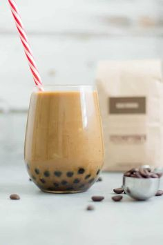 / Bubble Iced Cold Brew Homemade recipe for Boba / Bubble Cold Brew Coffee ! This recipe is dairy free and PALEOHomemade recipe for Boba / Bubble Cold Brew Coffee ! This recipe is dairy free and PALEO Taro Bubble Tea, Bubble Tea Shop, Cold Brew Coffee Recipe, Spiced Coffee, Tea Recipes, Coffee Recipes, Drink Recipes, Smoothie Recipes, Yummy Recipes