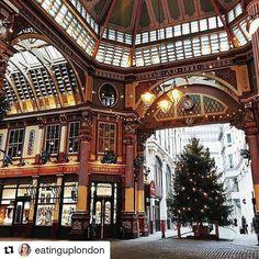 #Repost @eatinguplondon Christmas in London is the absolute best  #eatinguplondon #london #foodie #food #festive #december #christmas #market #leadenhallmarket #lights #blog #blogger #city #thebest #pretty