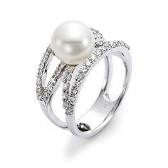 Love this 18 karat white golf cultured pearl and diamond ring designed by Mastoloni.