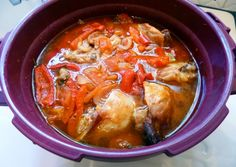 Basquaise chicken with micro minute - chicken Cocotte Minute Tupperware, Tupperware Pressure Cooker, Thai Red Curry, Chicken, Eat, Ethnic Recipes, Food, Microwaves, Food Recipes