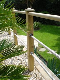 Gorgeous Backyard Landscape With Edging Lawn Design Ideas - All About Garden Garden Railings, Deck Railings, Rope Railing, Decking Handrail, Decking Fence, Cable Railing, Small Cottage Garden Ideas, Garden Cottage, Lawn Edging