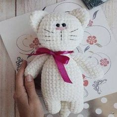 crochet toys patterns Crochet toy kitty amigurumi pattern by Iuliia Koroleva. - Crochet toy kitty amigurumi pattern by Iuliia Koroleva. Gato Crochet, Crochet Cat Toys, Crochet Bunny, Crochet Dolls, Free Crochet, Crochet Giraffe Pattern, Crochet Patterns Amigurumi, Amigurumi Doll, Knitting Patterns