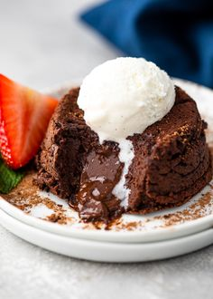 The Best Keto Chocolate Lava Cakes - Keto Meals Keto Chocolate Cake, Chocolate Flavors, Roasted Chicken, Garlic Chicken, Creamy Chicken, Chicken Pasta, Grilled Chicken, Baked Chicken, Paleo