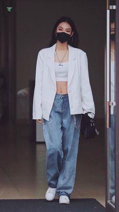 Korean Fashion Minimal, Korean Girl Fashion, Ulzzang Fashion, Kpop Fashion, School Fashion, Asian Fashion, Trendy Fashion, Fashion Outfits, Retro Outfits