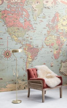 Feature charming illustrative design in your child's space with this unique kids' vintage map wallpaper, a classic design. World Map Mural, World Map Decor, World Map Wallpaper, Retro Wallpaper, Room Wallpaper, Wallpaper Designs, Vintage Stil, Style Vintage, Retro Living Rooms