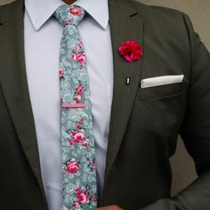 2019 wedding design and trends. Get ready to see alot more of this in the upcomi Wedding Shirts, Wedding Men, Blazer Outfits Men, Corporate Wear, Men Formal, Professional Outfits, Mens Fashion Suits, Suit And Tie, Gentleman Style