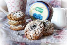 Biscotti morbidi alla marmellata: delicati biscotti con marmellata nell'impasto,ideali sia a colazione che a merenda; da soli o inzuppati nel latte!