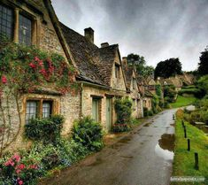 English country cottages ♡ bit of a grim day though...