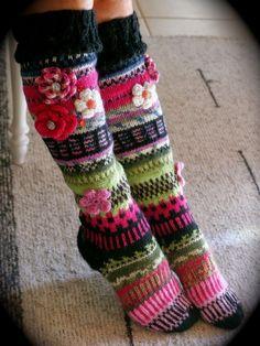 Crochet Leg Warmers, Crochet Slippers, Knit Crochet, Yoga Socks, Knee Socks, Knitting Patterns, Crochet Patterns, Knitting Socks, Doll Clothes