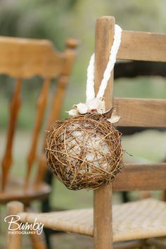 Gravevine pomander balls with natural cotton, pods and braided velvet. Cozy Winter Wedding. Bluegrass Chic
