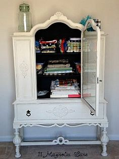 Old White & Graphite Chalk Paint® decorative paint by Annie Sloan used for this lovely China Cabinet Makeover | By 11 Magnolia Lane