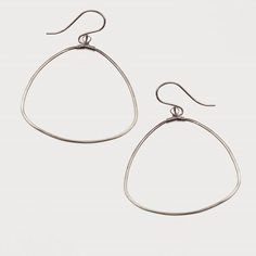 Day 37  dewdrop hoop earrings  #365earringchallenge #beatrixbell #handcrafted #jewelry #earrings #makersgonnamake #artisan #boutique #handmadeisbetter #jewelery #jewelrygram #instajewelry #shopmyjewels #instasale #madeinlouisiana #nolaigers #igersnola #americanmade #handmade #madeinneworleans #earcandy #accessories #love #style #nola