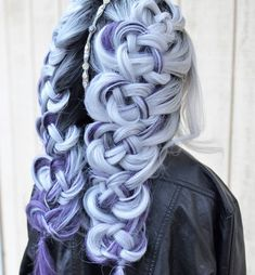 sky blue hair color with unique style Pretty Hair Color, Green Hair Colors, Hair Color Purple, Blue Hair, Pretty Hairstyles, Braided Hairstyles, Unique Hairstyles, Dyed Hair, Hair Inspiration