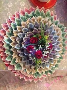 55 Ideas Flowers Bouquet Gift Decoration For 2019 Money Flowers, Paper Flowers, Money Bouquet, Creative Money Gifts, Money Origami, Wedding Gift Wrapping, Wedding Crafts, Diy Wedding, Making Ideas