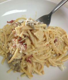 This Crockpot Chicken Spaghetti w/ Velveeta recipe prepared w/ John Soules Foods Rotisserie Chicken is so good you'll being eating it all week! #Recipe #ChickenRecipes