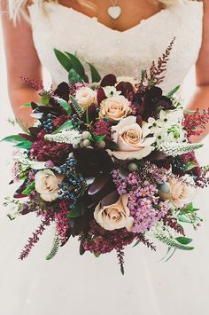 Peach & Plum Bouquet - Gorgeous Fall Wedding Ideas For Your Special Day - Photos