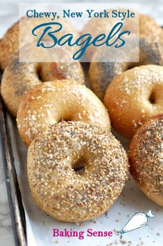 These Overnight Bagels are chewy, crusty and properly dense New York style bagels. The overnight rise creates the perfect texture and flavor - and you'll have fresh, hot bagels for breakfast or brunch less than an hour after getting out of bed. New Yorker Stil, Sourdough Bagels, New York Bagel, Best Bagels, Breakfast Slider, Homemade Bagels, Bread Machine Recipes, Bread Recipes, Dinner Rolls