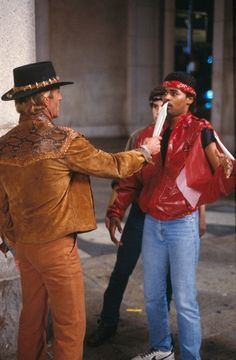 """""""This is a knife!"""" Crocodile Dundee Paul Hogan as Mick Dundee. 80s Movies, Great Movies, Film Movie, Crocodile Dundee, Cinema, Movie Costumes, Teenage Years, Movie Characters, Movies Showing"""