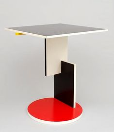 Wooden side table Schroeder 1 design Gerrit Rietveld 1923 executed by Cassina / Italy after 1981
