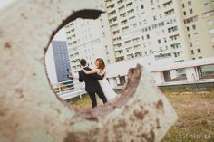 Kasia + Jakub / plener ślubny • POFOTO.pl • fotografia okolicznościowa, fotografia ślubna, plener ślubny, crazy photoshoot idea, fotografia ślubna, manhattan, młoda para, plener, plener ślubny, zdjęcia ślubne plener, zdjęcia ślubne łódź